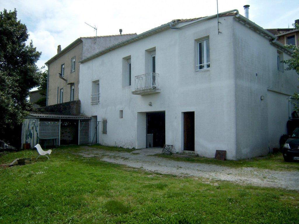 vente axe limoux carcassonne maison de village avec garage et jardin belle vue. Black Bedroom Furniture Sets. Home Design Ideas